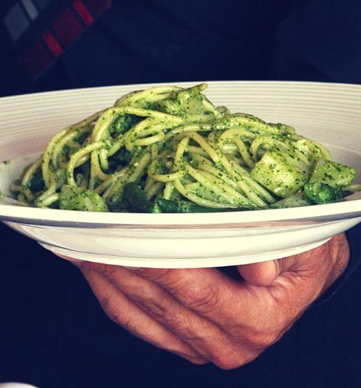 La Bruschetta spaghetti al pesto