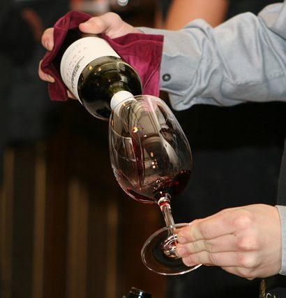 ee3db7062bf71c3e81584d04ee44408be273e4dc19b810479df1_640_wine-tasting