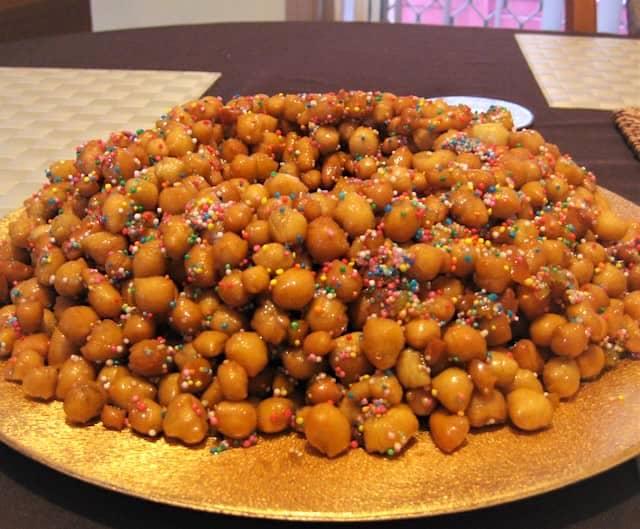 italian christmas dessert struffoli - Italian Christmas Desserts